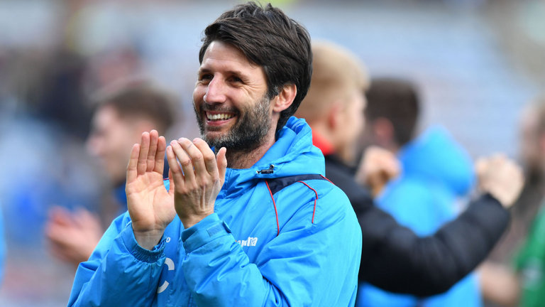 skysports-danny-cowley-lincoln-city-burnley-fa-cup_3893462